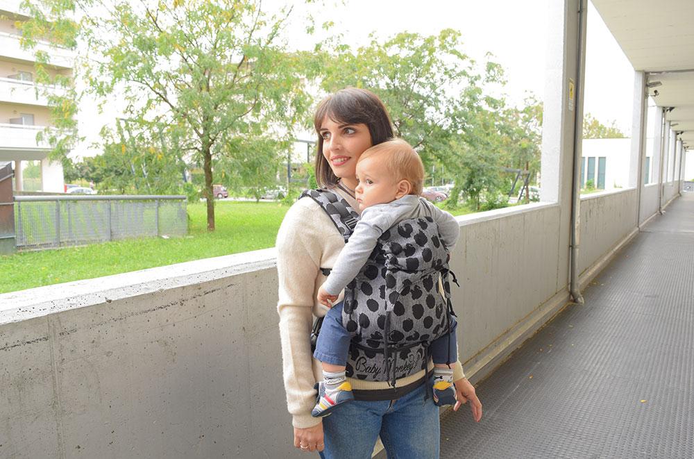 babywearing e allattamento.jpg